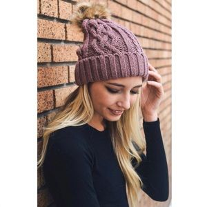 Accessories - [New] POM POM MAUVE HAT